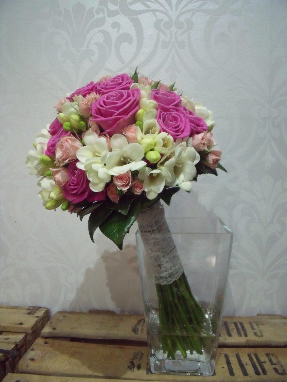 bouquet en rosa+fresia+ramificada