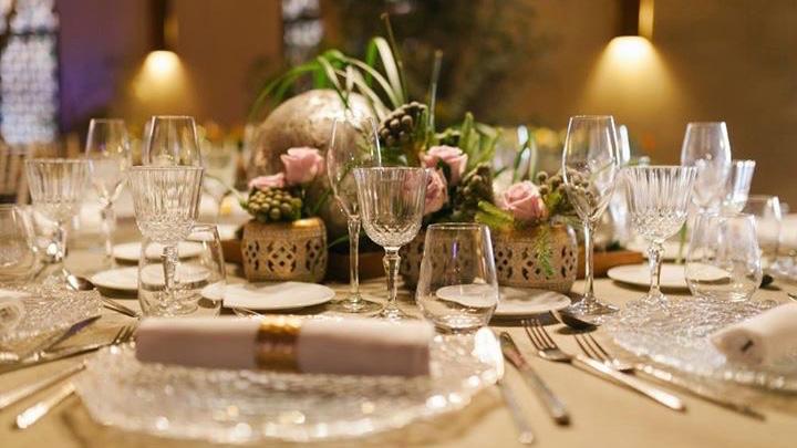 Centro Mesa Floral Elegante Cobre