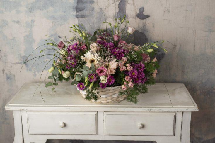 Cesta Grande Con Flor Especial En Rosas