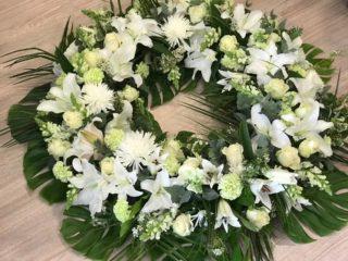 Corona de flores variada 110cm