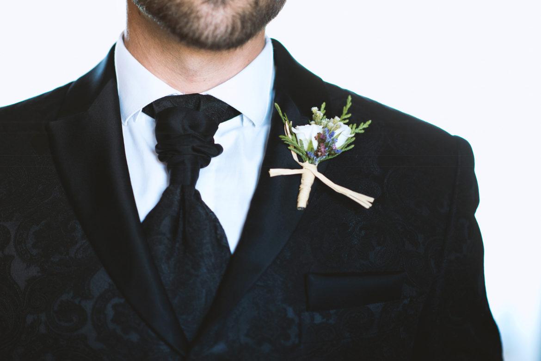 Hombre flores boda