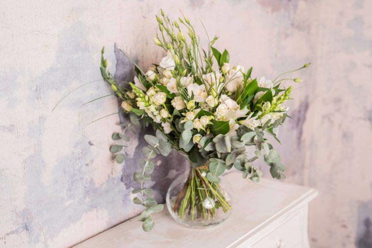 Ramo Flores Variado Premium En Tonos Blancos