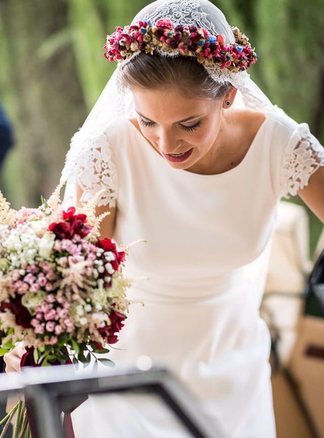 Detalle Floral Para El Pelo En Novia 2 2
