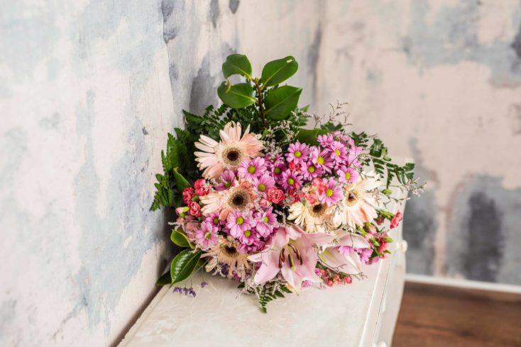 Ramo De Flores Variado Mediano Tonos Rosas