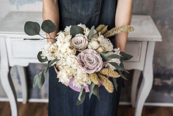 Caja De Flores Preservadas Romantica Grande
